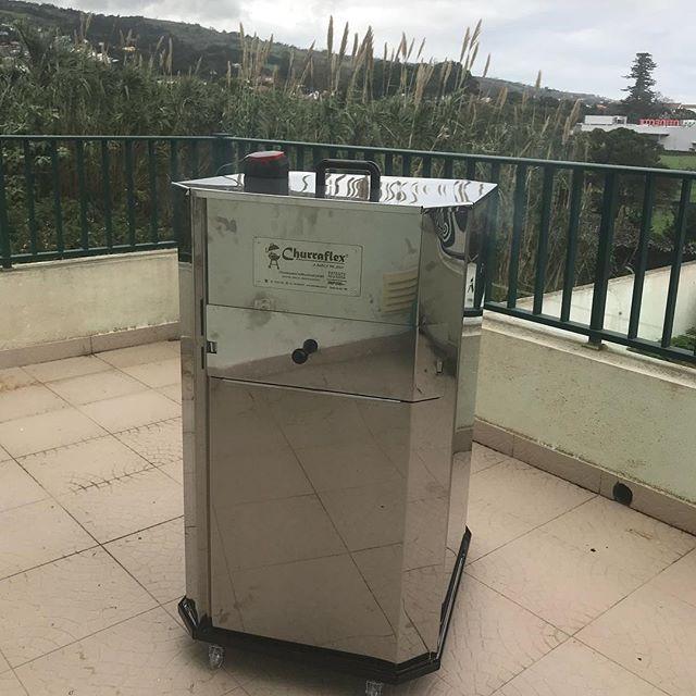 A churraflex fazendo uma costela de boi nos Açores (Portugal) #churraflex #churrasco