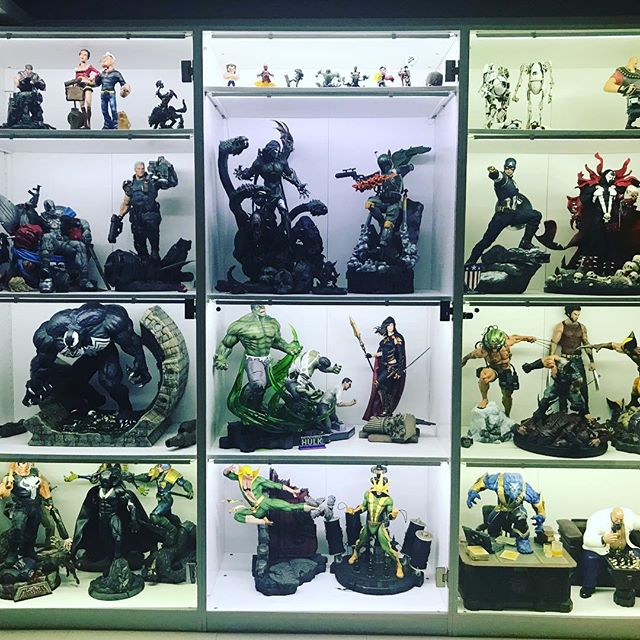 Unboxed Magdalena, Electro and King Pin ... that means a few others had to go back on their box to make space ... really need more cabinets!!